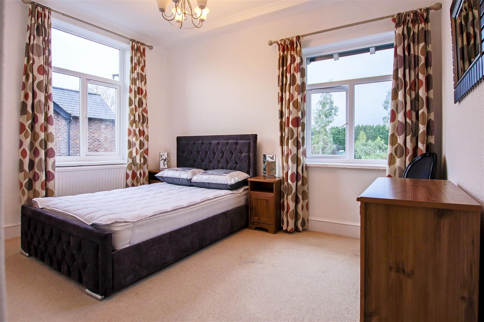 4 Bedroom Detached House For Sale - 9.jpg